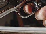 Участковый милиционер тяжело ранил из пистолета жительницу Рогачевского района