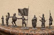 В Беларуси начали продавать солдатиков ВКЛ с «Погоней» на хоругви