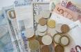 Белорусы покупают больше валюты, чем сдают в банки