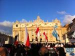 Бело-красно-белые флаги в Ватикане: новые фото