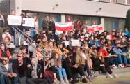 Студенты БГУИР провели массовую «сидячую акцию»