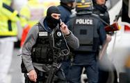Полиция проводит в пригороде Парижа антитеррористическую операцию