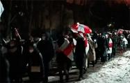 В Зеленом Луге проходит вечерний марш