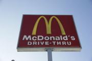 В Канаде два человека погибли в результате стрельбы у «Макдоналдса»