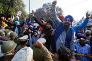 В Индии 14 человек погибли во время протестов сторонников гуру-насильника