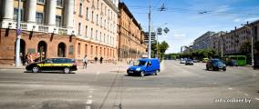 Фотофакт: асфальт после танков в Минске