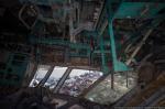 На базаре в Сомали валяется сбитый белорусский самолет
