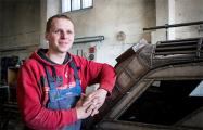 Автомастер из Могилева создал бронированную машину из «Волги»