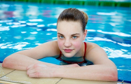 Звездная пловчиха Анастасия Шкурдай выиграла золото юниорского чемпионата Европы