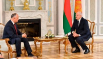 Додон пригласил Лукашенко осенью в Молдову