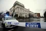 Неизвестные в полицейской форме открыли стрельбу в отеле на севере Дублина