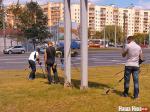Охрана Лукашенко лазит по канализационным люкам и ищет мины в газоне