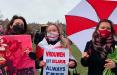 Белорусы устраивают акции-поздравления с 8 марта