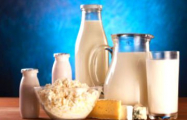 ЕС раздаст беженцам излишки молочной продукции