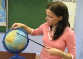 Кочанова призвала поддержать молодых педагогов в школах
