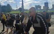 В Гродно омоновцы распылили газ, но колонна продолжила шествие