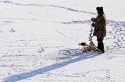 Зимним рыбакам советуют надеть спасательные жилеты