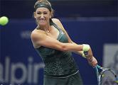 Азаренко вышла в полуфинал теннисного турнира в Линце