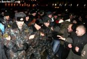 Минчане едва не разогнали пикет за Лукашенко (Видео)
