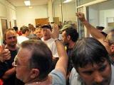 Французские рабочие взяли в заложники дирекцию предприятия