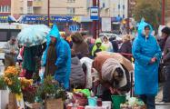 Торговка стихийного рынка в Гродно: Мы с подругами и не думаем уходить