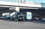 Фотофакт: Автобус ХК «Динамо-Минск» попал в аварию в центре столицы