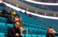 Видеофакт: атмосфера на трибунах во время матча ЧМ Беларусь - Литва