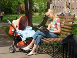 Размеры детских пособий в Беларуси возрастают с февраля на 4,9%