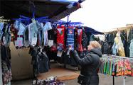 ИП из Гродно: Приходят на рынок, примеряются и уходят, а ты как сидел, так и сидишь