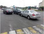 Фотофакт: В Пинске столкнулись два «Джили»