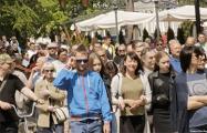 В Бресте более ста человек вышли на центральную площадь с протестом