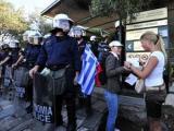 Греческие демонстранты прекратили блокаду Акрополя