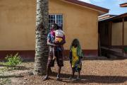 Перенесшим Эболу мужчинам посоветовали 90дней пользоваться презервативами
