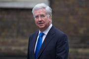 Британский министр обороны ушел в отставку на фоне обвинений в домогательствах
