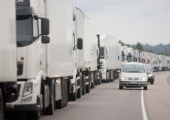 На границе с Литвой и Латвией образовались огромные очереди из грузовиков