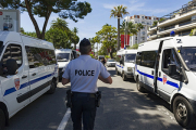 Мужчина попытался въехать в толпу у мечети в Париже