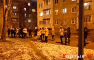 Жители Серебрянки вышли на вечернее шествие