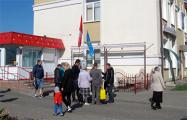 Пикеты Виктора Марчика в Зельве превратились в митинги