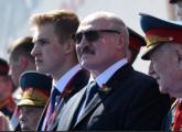 Лукашенко улетел в Минск не сразу после парада