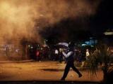 Противники строительства свалки под Неаполем ранили пятерых полицейских
