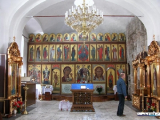 Тысячи верующих приходят в храмы Минска освятить пасхальную пищу