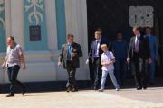 Коля подарил киевскому Софийскому собору куклу в мешке