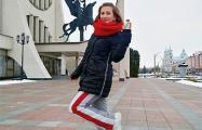 Кин-дза-дза отдыхает: в Беларуси девушку оштрафовали за цвет штанов