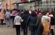 Колонны из разных районов Минска объединяются: непередаваемые эмоции людей