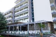 Нетрезвый подросток-россиянин упал с пятого этажа болгарского отеля