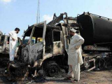 Боевики сожгли в Пакистане 10 бензовозов НАТО
