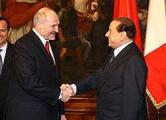 Берлускони пришлось оправдываться за встречу с Лукашенко