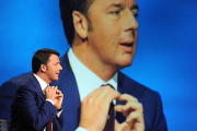 Премьер-министра Италии заподозрили в растрате