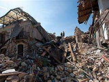 В Италии пострадавших от землетрясения попросили освободить гостиницы