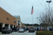 Двое пострадали при стрельбе в супермаркете в Атланте